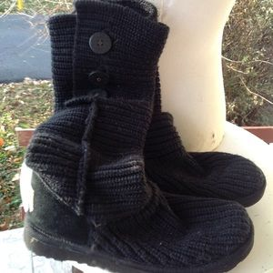Womans ugg sweater boots.